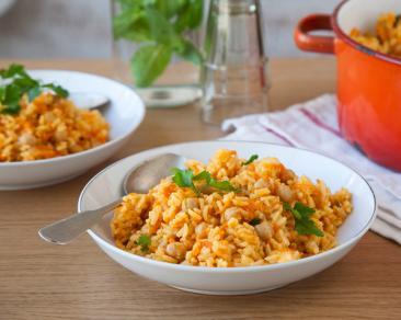 תבשיל אורז עם גזר וגרגירי חומוס