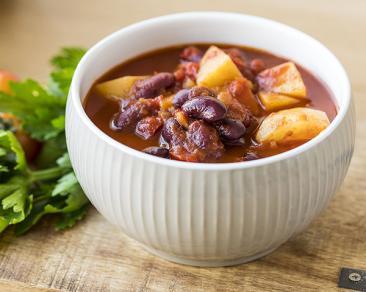 מרק שעועית ותפוחי אדמה קל להכנה