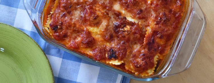 לזניה רביולי גבינה עם חצילים ורוטב עגבניות