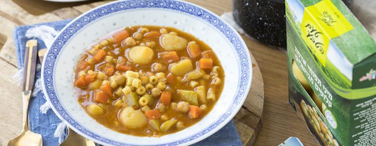 מרק מינסטרונה עם ירקות ואטריות